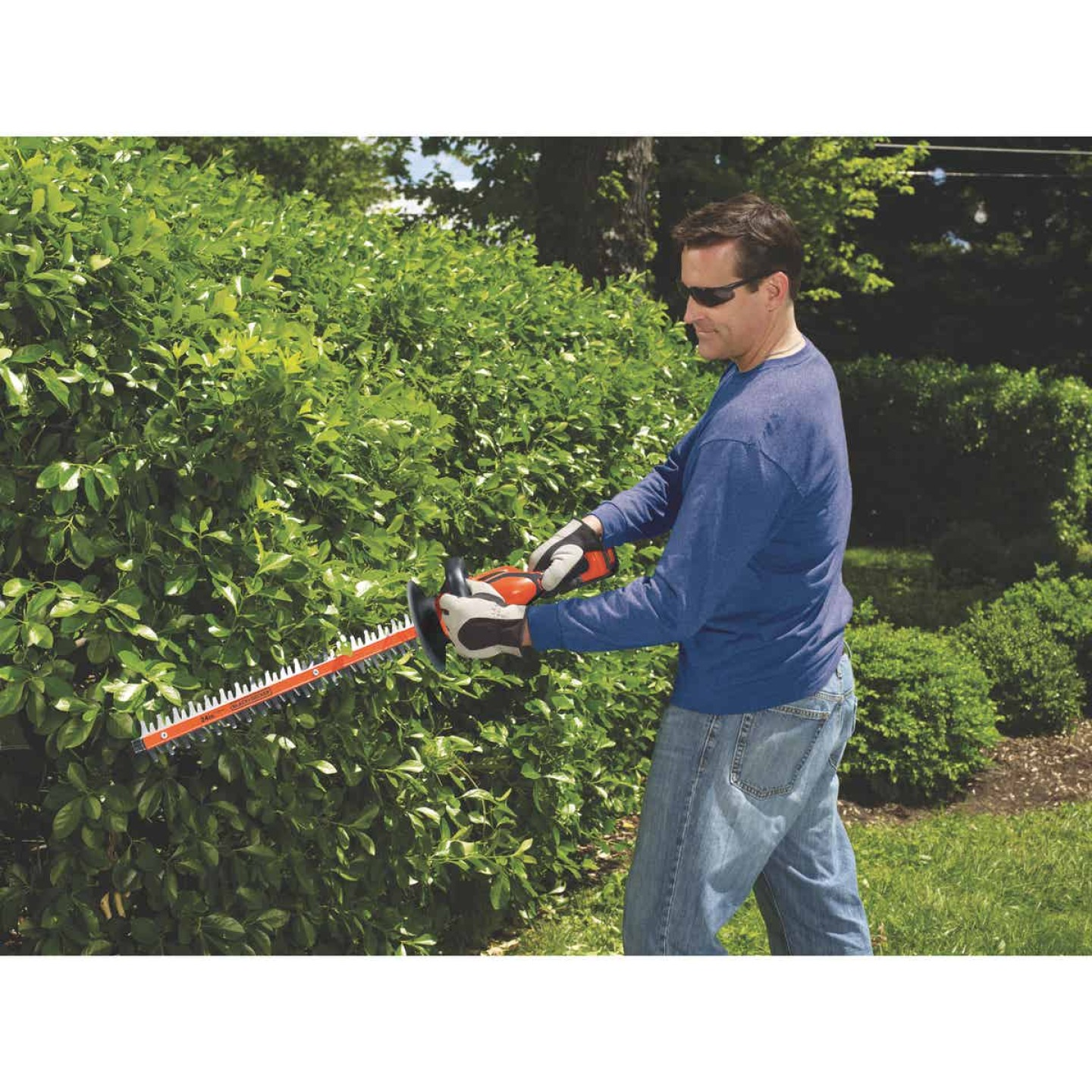 Black & Decker 24 In. 40V Lithium Ion Cordless Hedge Trimmer Image 3