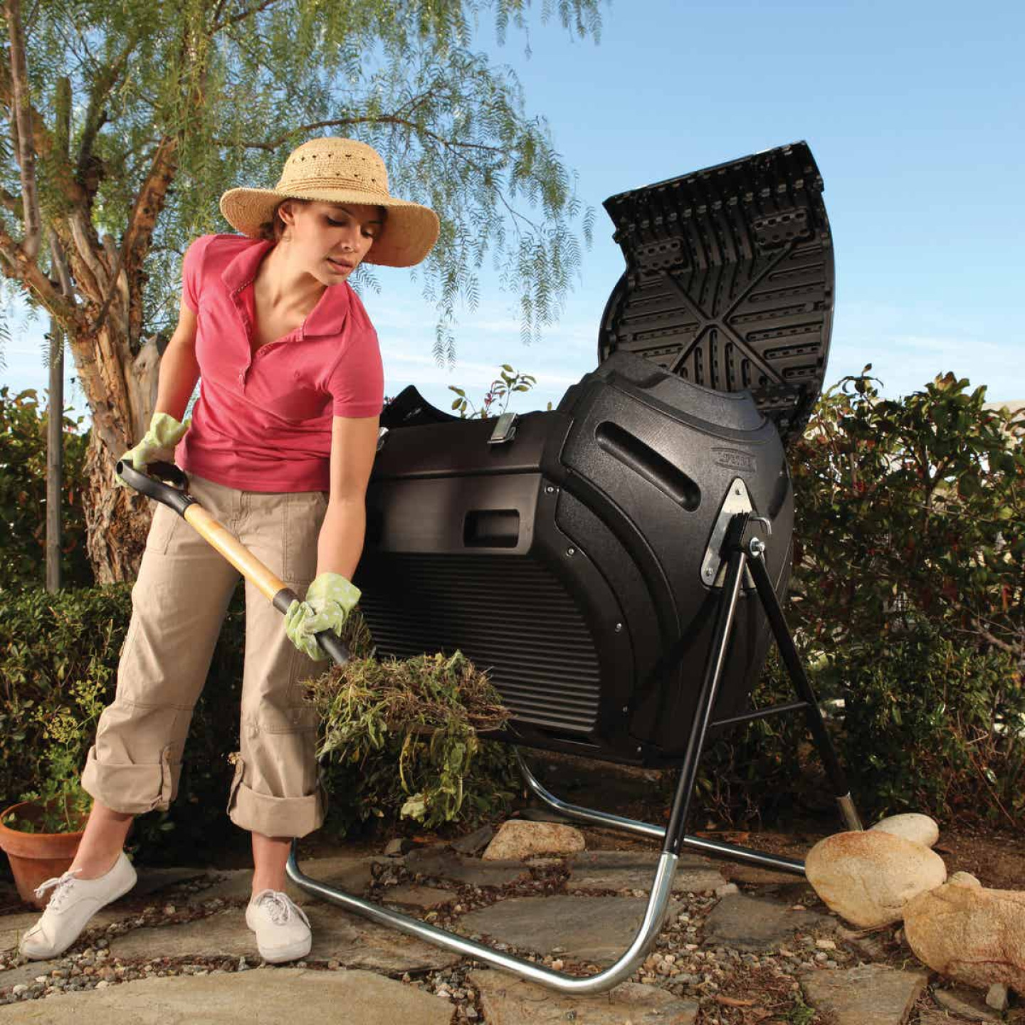 Lifetime Rotating Composter (80-Gallon) Image 2