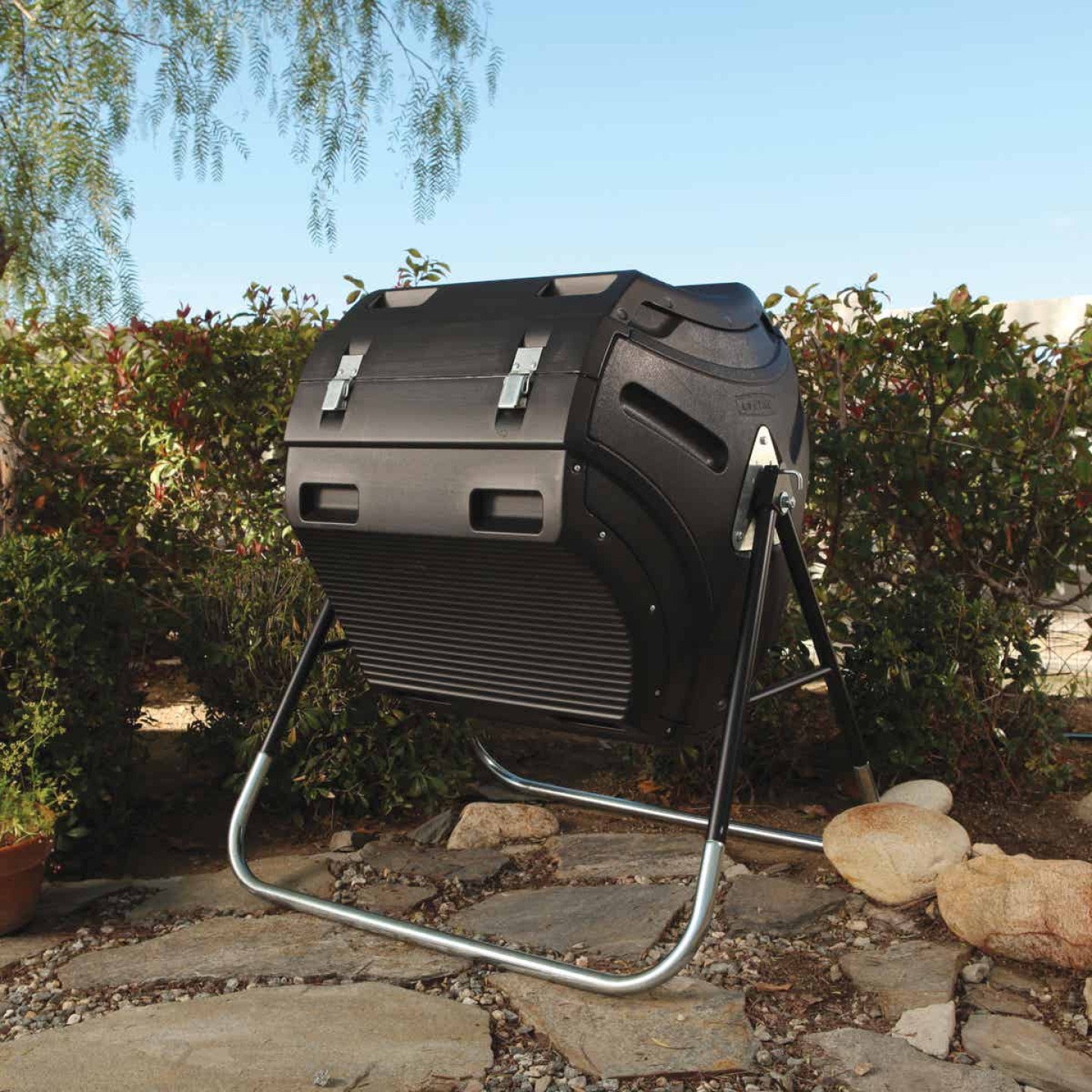 Lifetime Rotating Composter (80-Gallon) Image 3